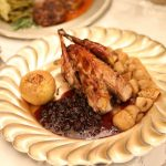 Fazani cu sos de coacăze și gălbiori opăriți (rețeta Kerei Calița)